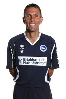 <b>Gus Poyet</b><br>Selection of 25 items